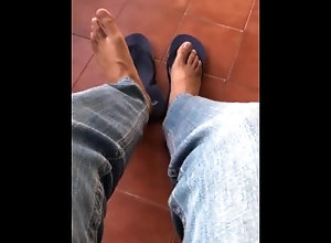 foot-fetish;malefeet;piesdehombres;calcetinesmasculinos,Daddy;Twink;Latino;Solo Male;Gay;Handjob;Feet MALE FEET / Pies...