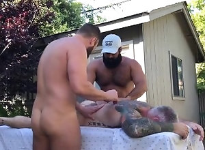 massage;massage-happy-ending;threesome,Daddy;Latino;Muscle;Fetish;Big Dick;Gay;Bear;Hunks;Tattooed Men Bear 4 hand...