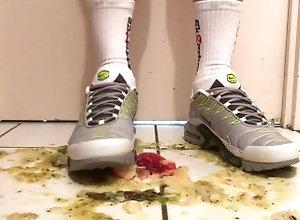 crush;crush-fetish;nike-airmax;nike-air-max;nike-tn;nike-tuned;nike-sneakers;sneaker-crush;sneaker-fetish;stomp;crushing;food-crush,Euro;Twink;Solo Male;Gay;Amateur;Feet Nike Tuned...