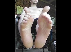 footplay;foot-fetish;domination;smoke-fetish;feet;public,Twink;Solo Male;Gay;Public;Amateur;Feet Shirtless footplay