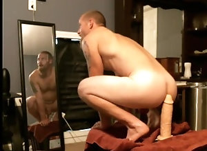 ass-fuck;masturbate;adult-toys,Solo Male;Gay taking big cock...