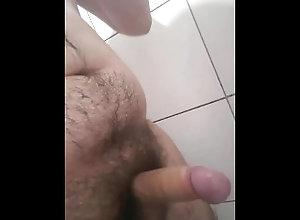masturbate;gordinho;banheiro;chubby;bath;small-dick,Solo Male;Gay Gordinho se...