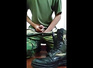Men (Gay);Gay Porn (Gay);Amateur (Gay);Masturbation (Gay);Military (Gay) Soldat wichs auf...