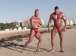 Muscle (Gay) Muscle beach
