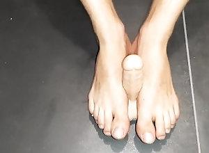 feet;foot;feet-worship;fetichisme-pieds;foot-fetish;fetish;fetichiste;feet-fetish;gay;feet-gay,Massage;Solo Male;Gay;College;Straight Guys;Handjob;Cumshot;POV;Feet Feet fetish -...