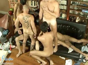 dadsfun;twinks;daddy;orgy;blowjob;group,Daddy;Twink;Gay Boys and dads...