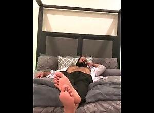 feet;foot-fetish;foot-worship,Daddy;Latino;Solo Male;Gay;Bear;Hunks;Feet FEET READY FOR YOU