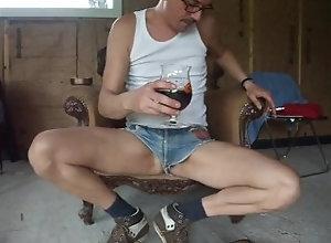 big-cock;big-dick;mini-shorts,Daddy;Solo Male;Big Dick;Gay;Handjob branlette menotté