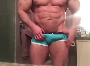 fitness-model;bodybuilder;social-media-model;onlyfans;hard-cock;sixpack;huge-arms;muscle-model;muscle-hunk;college-athlete;college-guy;bathroom-jerkoff;hard-cock-teasing;teasing;muscle-worship;worship,Muscle;Solo Male;Gay;Hunks;Straight Guys;Uncut;Jo Big muscled...