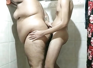 gay;urso;bear;novinho;twink;banheiro;big-cock,Bareback;Twink;Big Dick;Gay;Bear;Amateur;Verified Amateurs Dando para...