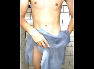big-cock;latin;nude;bath;cum;cumbath;uncut;sex;2021;penes-grandes,Bareback;Latino;Fetish;Solo Male;Big Dick;Gay;Uncut Quien ayuda a...