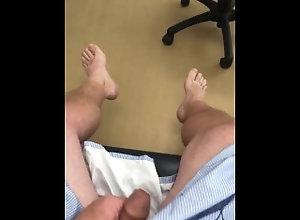 verified-amateurs;doctors;doctors-office;doctor-office;doctor;real-doctors-office;exam-room;examination-room;risky-masturbation;risky-public;stroking;patient;medical-gown;medical-examination;jerking-in-public;bare-feet,Solo Male;Gay;Public;Amateur;Handjob;Uncut;POV;Feet Risky Doctor's...