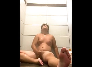 feet;toes;jerking-off,Twink;Solo Male;Gay Teen toes jerking...