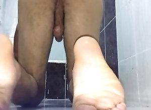 feet-fetish;ass;hot-ass;bathroom,Solo Male;Gay;Amateur;Feet;Verified Amateurs Ass Bounce On...