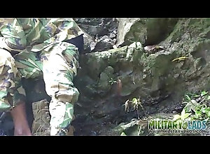 sucking,outdoor,blowjob,uniform,oral,gay,twink,military,latino,gay Two GIs call a...