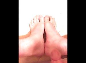 footjob;feet;cumshot;feet-joi;foot-fetish;foot-worship;fetish;bisexual-male;swedish;masturbation;caught-masturbating;caught-jerking-off;caught,Solo Male;Gay;Feet Busting a HUGE...