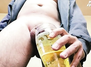 big-cock;piss;extreme-pissing;glass-piss;enormous-piss,Fetish;Solo Male;Big Dick;Gay;Straight Guys;Uncut;Verified Amateurs Filling 0,5L beer...