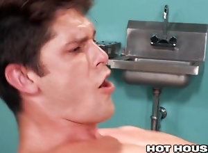 hothouse;doctor-fucks-patient;doctor-examination;muscle-hunk;ass-spread;face-fuck;prolapse;anal-gaping;rosebud;ass-fingering;rubber-gloves;ass-licking;ass-pounding;bareback;raw-fuck;hard-fast-fuck,Bareback;Muscle;Fetish;Blowjob;Big Dick;Pornstar;Gay; Hothouse - Doctor...