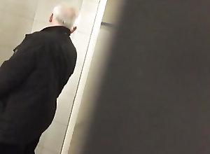 Daddies (Gay);Masturbation (Gay);Outdoor (Gay);Spying SPYING grandpa