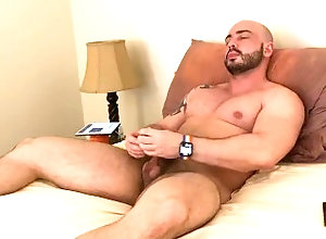 jerking-off;cumshot,Muscle;Solo Male;Gay;Amateur;Cumshot;Verified Amateurs Relaxing jerk off